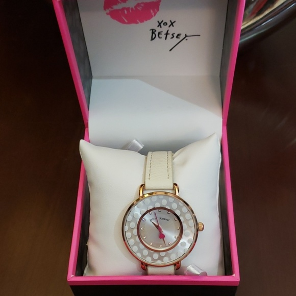 Betsey Johnson Accessories - Betsey Johnson Subtle and sleek white watch